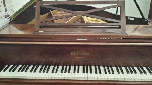 piano-pleyel-1930-restauré-chez-pianos-balleron-paris